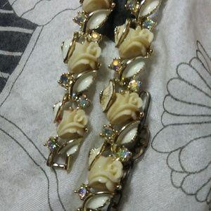 Jewelry - Vintage rose & rhinestone bracelet& necklace set